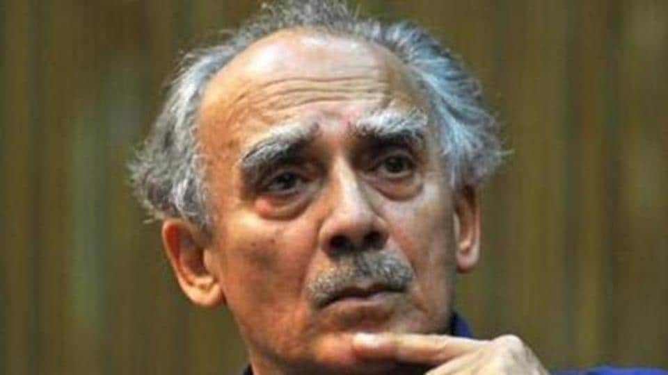 """""""Prima facie, it appears that the then minister Arun Shourie and then secretary Pradeep Baijal misused their offices and caused a loss of Rs 244 crore to the central government in the deal,"""" the court said."""