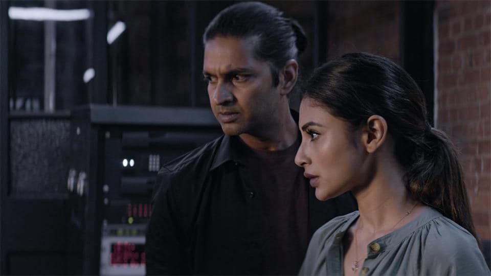 London Confidential tells the story of two undercover cops Uma (Mouni Roy) and Arjun (Purab Kohli) posted at the London RAW station.