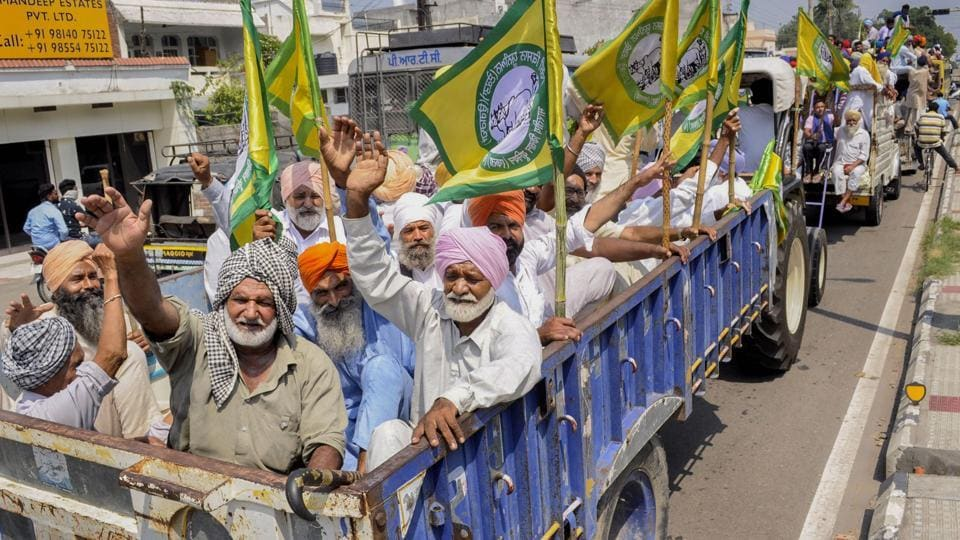 Members of various farmer organisations on their way to stage a protest against the central government over agriculture related ordinances, in Patiala (PTI Photo)