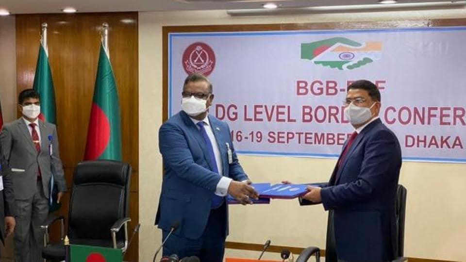 BGB Director General (DG) major general Md Shafeenul Islam and BSF DG Rakesh Asthana  the 50th border coordination conference.