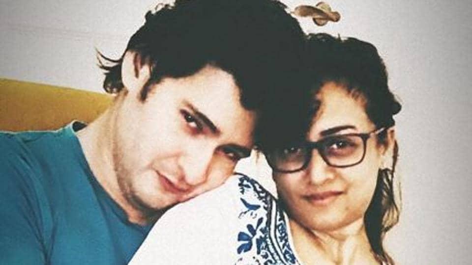 Namrata Shirodkar's romantic picture with husband Mahesh Babu goes viral