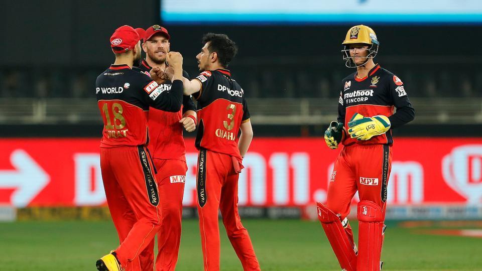 Yuzvendra Chahal celebrates with his teammates. (IPL/Twitter)