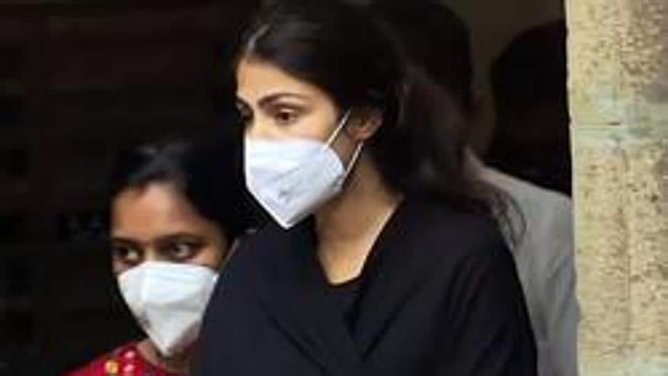 Actor Rhea Chakraborty being taken for medical examination after being arrested by Narcotics Control Bureau (NCB) in drug case related to Sushant Singh Rajput's death probe in Mumbai on September 8.