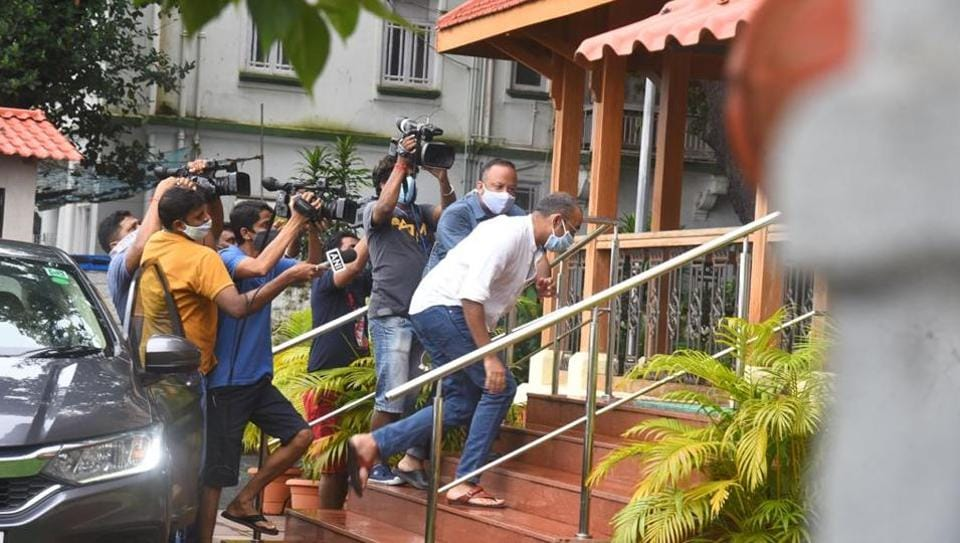 Bollywood drugs probe: Film producer Madhu Mantena reaches NCB office to record statement – bollywood