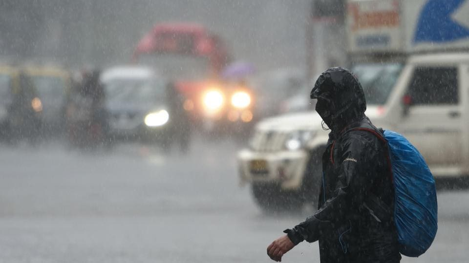 India Meteorological Department (IMD) has predicted that Mumbai will see 'generally cloudy sky with heavy rain' on Wednesday.