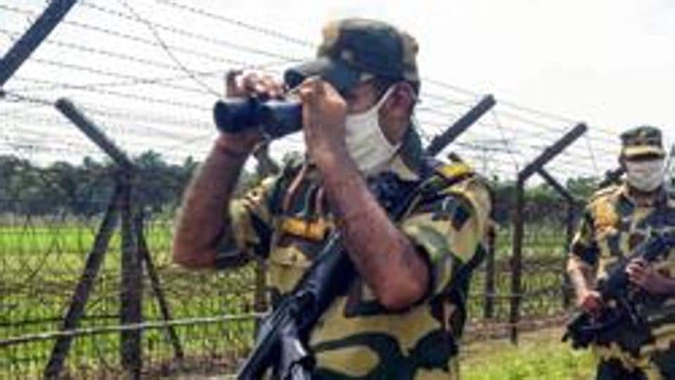 A BSF  patrol along India-Bangladesh border in Siliguri.