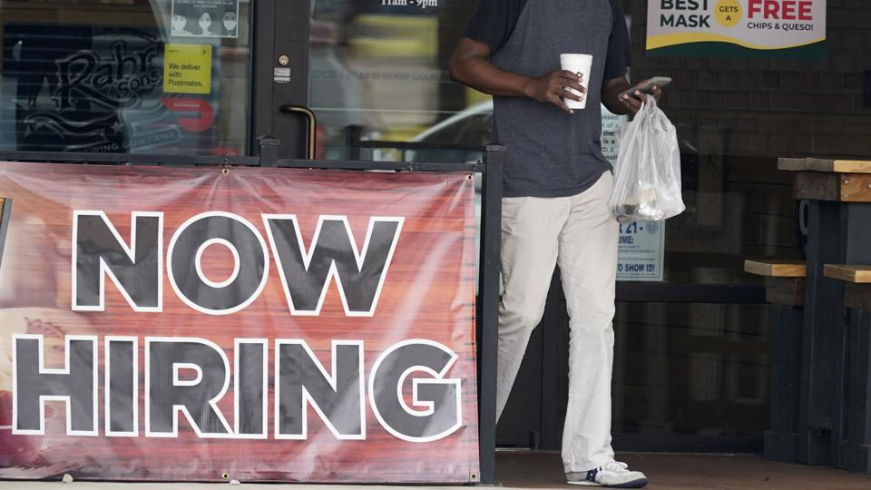 The Labour Department on Thursday (local time) reported that the initial jobless claims for the week ending September 19 came in at 870,000, adjusted for seasonal fluctuations.