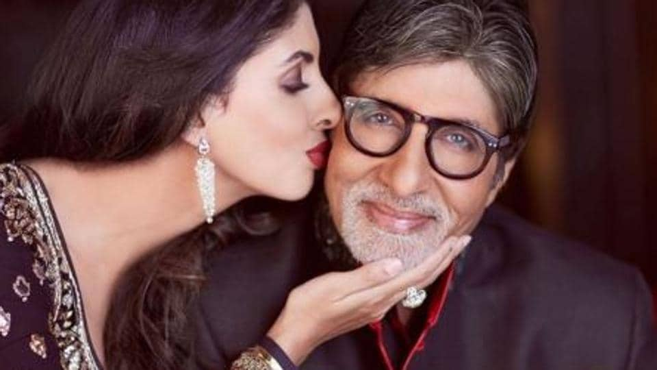 Amitabh Bachchan posted a warm picture with daughter Shweta Bachchan Nanda.