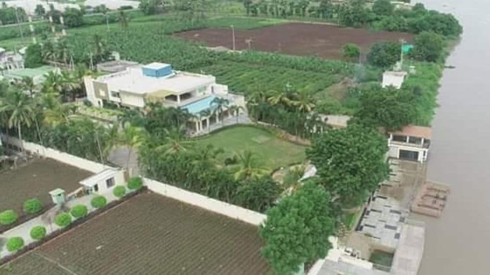 The bungalow was originally a guest house constructed by prominent realtor Lingamaneni Ramesh who leased it to Naidu in 2015. Since then, Chandrababu Naidu had been using it as his official bungalow.