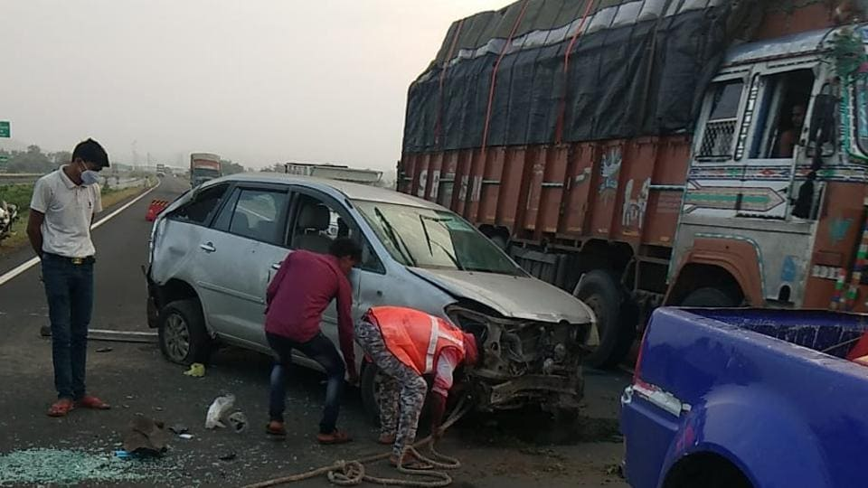 The picture from the accident site on national highway 46 in Guna district where the police car overturned. (HT Photo)