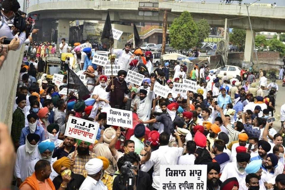 Congress MLA and former minister Navjot Singh Sidhu emerged from a year-long political hiatus last week but the time out failed to dent his popularity. He remains a crowd puller as his protest in Amritsar last week against the farm legislation showed.
