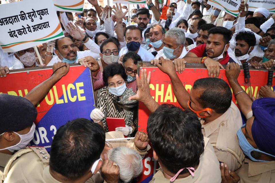 The Congress workers who began to move in a procession from party office in Sector 9 were stopped by the Chandigarh police and only a few leaders were allowed to proceed towards Raj Bhawan due to Covid-19 restrictions.