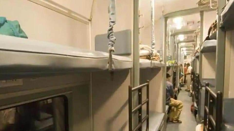 The railways had decided end supply of linen, including bedsheets and pillow covers, to passengers travelling in air-conditioned coaches in a bid to prevent the spread of Covid disease. (HT file photo)