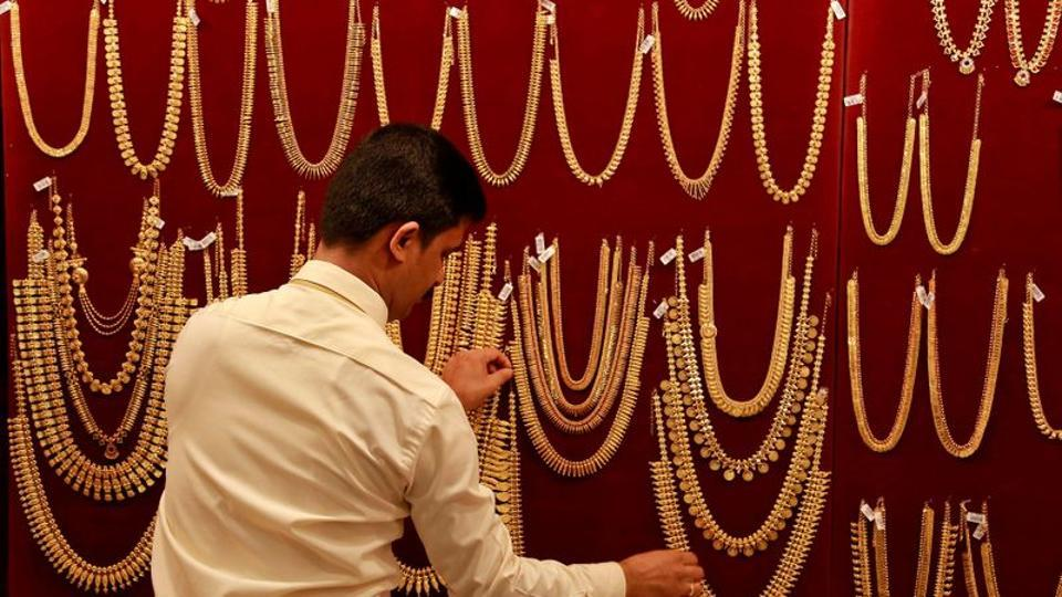 The Indian spot gold price as of today is Rs 49,260, up 0.02%. Global spot gold growth rate, meanwhile, was 0.14% and global spit price is $1883.7 (REUTERS/Sivaram V/File Photo)