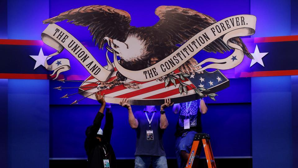 Crews prepare the hall for the first presidential debate in Cleveland, Ohio on September 28. US President Donald Trump and Democratic presidential opponent Joe Biden will face off each other on September 29 for the first round of the televised presidential debates. (Brian Snyder  / REUTERS)