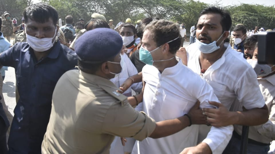 Congress leaders Rahul Gandhi and Priyanka Gandhi have been detained by UP Police