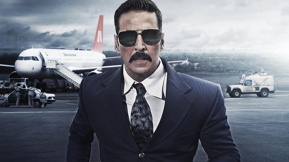 Akshay Kumar features on the new Bell Bottom poster.