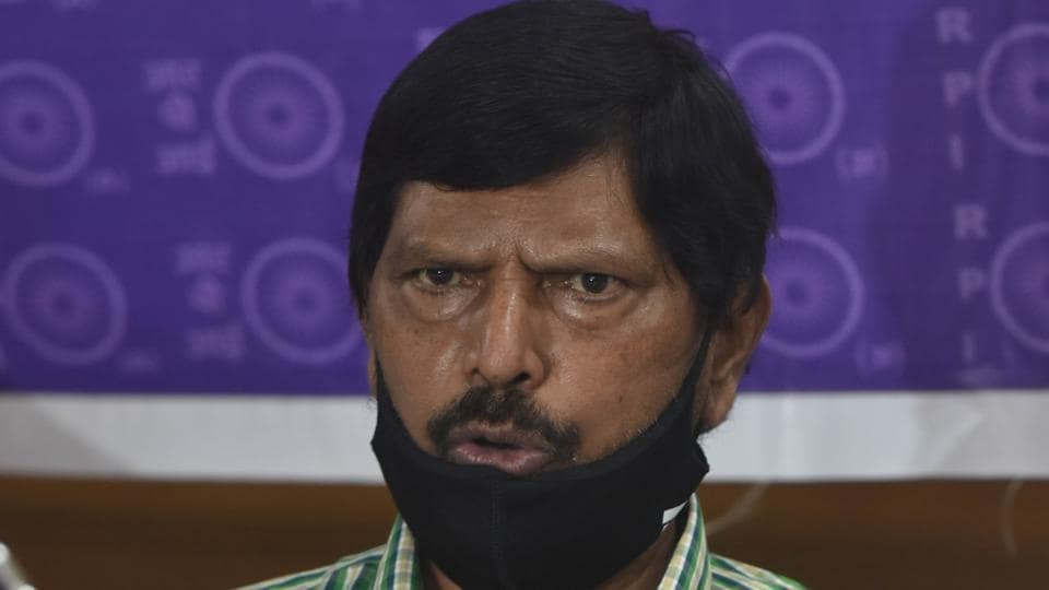 Union minister Ramdas Athawale addressing the media on Bihar Assembly election in Patna on Wednesday (Photo by Parwaz Khan / Hindustan Times)