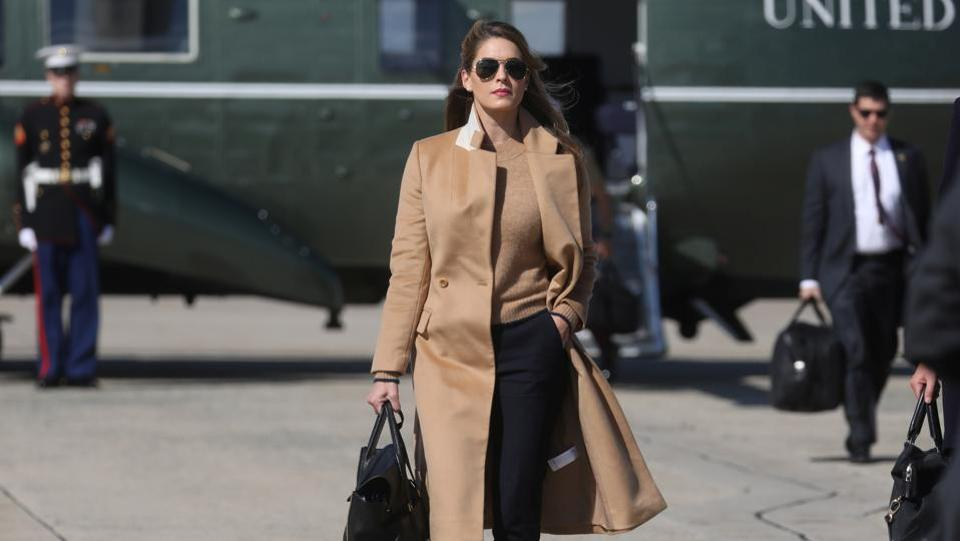 Hope Hicks, advisor to US President Donald Trump walks towards Air Force One to depart for Washington with the president and other staff on campaign trip to Minnesota at Joint Base Andrews, Maryland on September 30. Hicks felt unwell on the return trip and isolated herself aboard Air Force One. (Leah Millis / REUTERS)