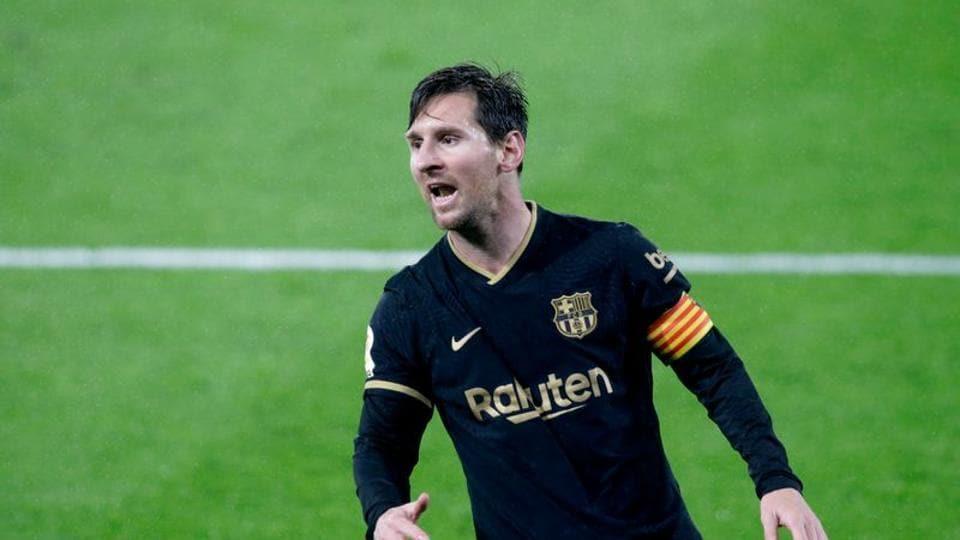 Soccer Football - La Liga Santander - Celta Vigo v FC Barcelona - Estadio de Balaidos, Vigo, Spain - October 1, 2020. Barcelona's Lionel Messi reacts. REUTERS/Miguel Vidal