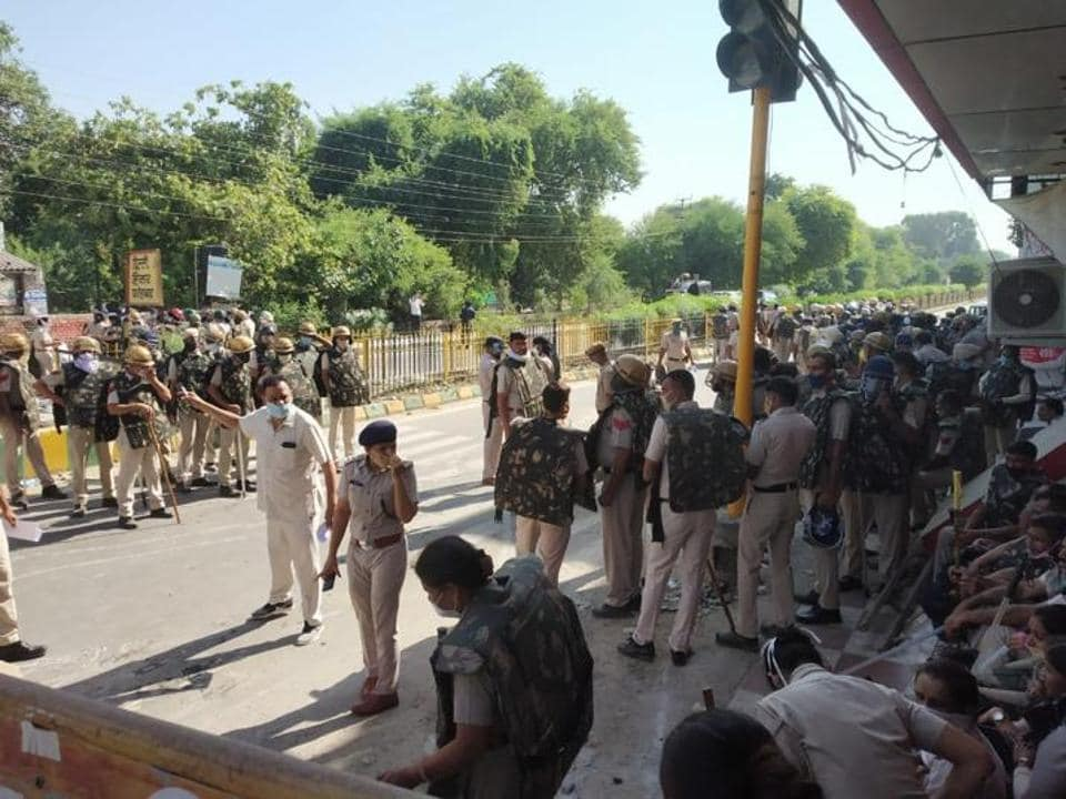 Security tightened near the houses of deputy chief minister Dushyant Chautala and power minister Ranjit Chautala in Sirsa on Tuesday.