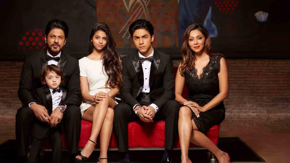 Shah Rukh Khan and Gauri Khan along with their kids Suhana, Aryan and AbRam. (Gauri khan designs)