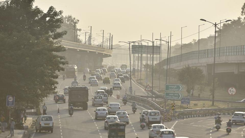 Dust from construction activity polluting the air around Dhaula Kuan in New Delhi on October 7. The national capital witnesses a spike in the levels of air pollution almost every year during winter due to various conditions including construction activity and the stubble burning in neighbouring states. A seven-point action plan for combating pollution Delhi was announced by chief minister Arvind Kejriwal earlier this week. (Sanjeev Verma / HT Photo)