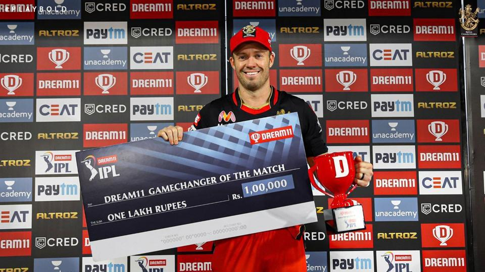 IPL 2020: AB de Villiers with his 'Gamechanger of the Match' award.