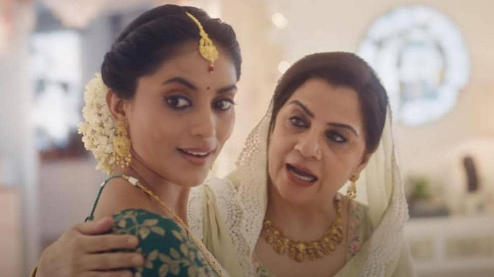 After Tanishq issued a statement on withdrawing its controversial ad, Swara Bhasker and Soni Razdan have opposed the decision.