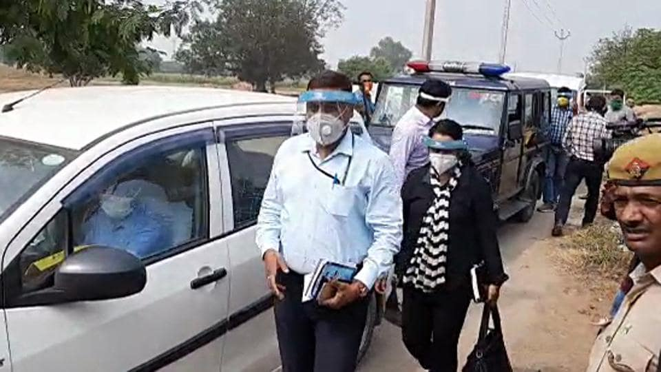 Central Bureau of Investigation (CBI) team visit the accused houses and questioned the family members of the four accused in the Hathras gang-rape case.