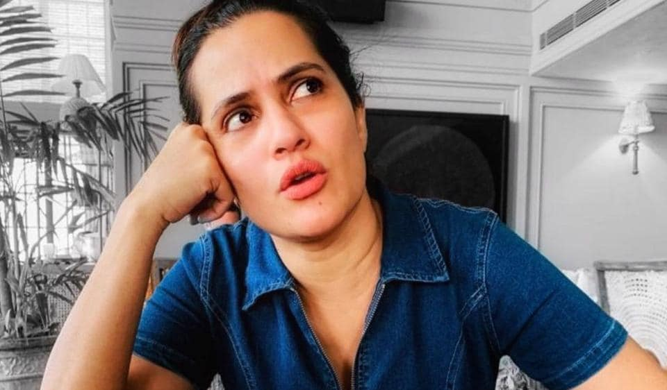 Sona Mohapatra gave it back to a Twitter user who asked her why feminists 'show cleavage'.
