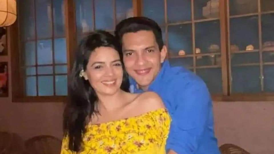 Aditya Narayan and Shweta Agarwal met on the sets of Shaapit.