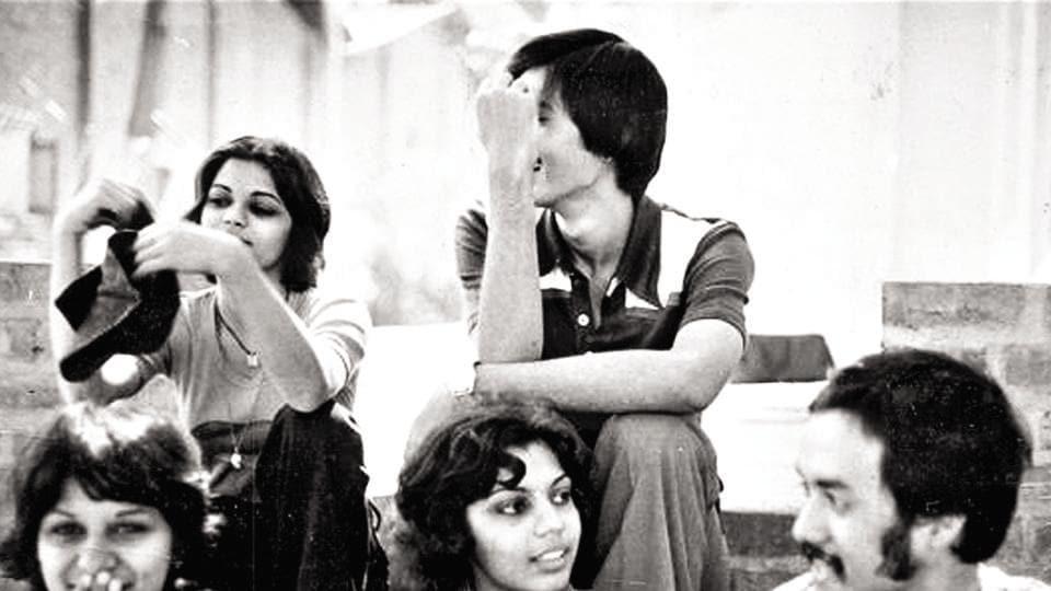 David Abraham at NID with Rakesh Thakore (behind him) and Archana Shah (next to him), founder of Bandhej and Padmini Nair and Reena Singh(far left)