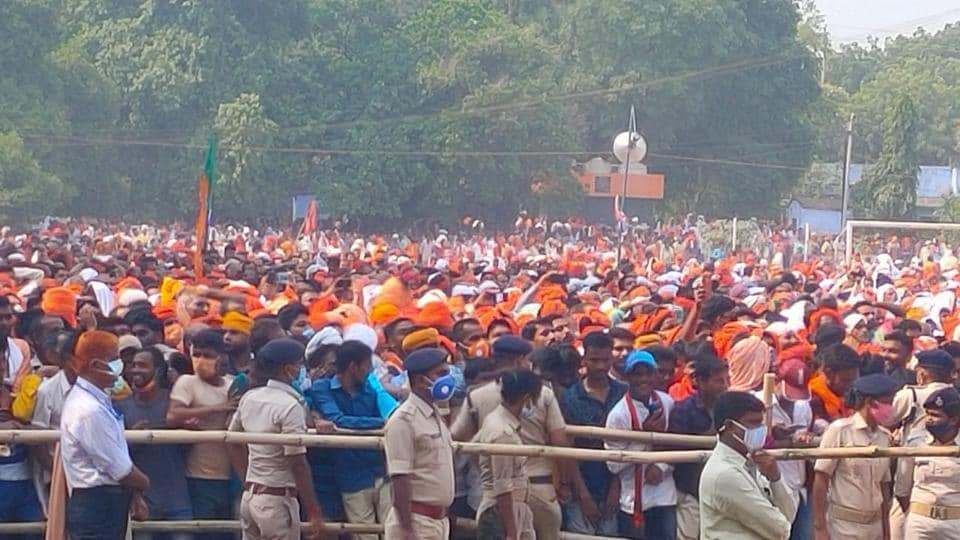 A huge crowd turned up in Ramgarh  in Bihar where Uttar Pradesh Chief Minister Adityanath addressed an election rally.