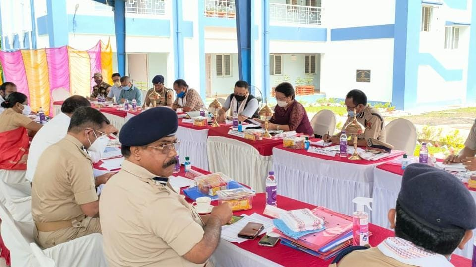 On Wednesday, a home secretary-level meeting between both states was held at an army camp close to Lailapur along the inter-state boundary and it was attended by senior police and district officials.