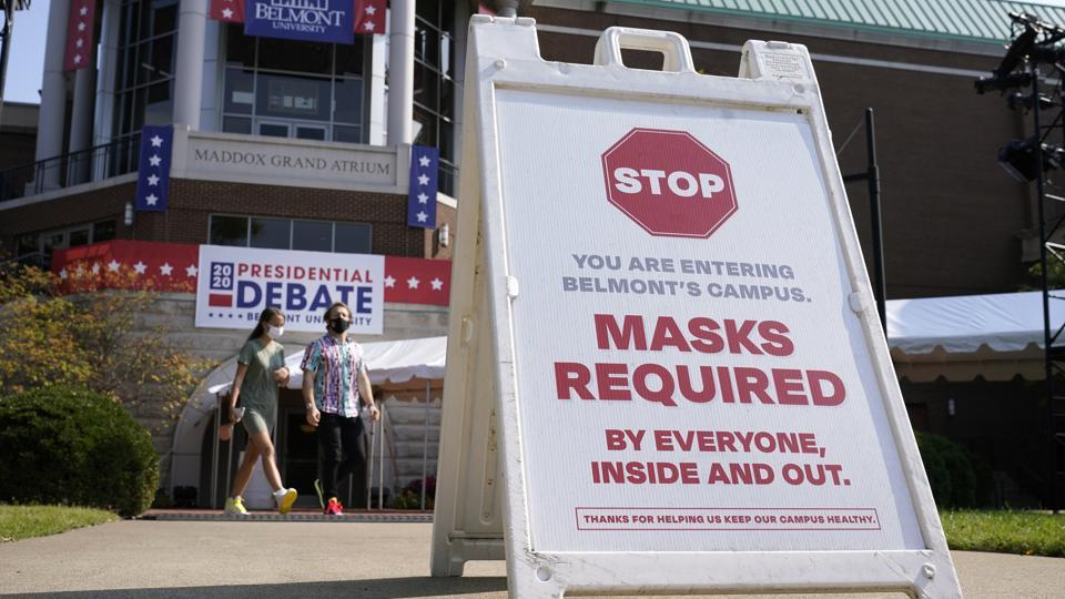 A sign greets visitors outside the Curb Event Center at Belmont University as preparations take place for the third presidential debate in  Nashville. President Donald Trump and Democratic presidential candidate, former vce president Joe Biden, are scheduled to debate Thursday, Oct. 22 (AP Photo/Patrick Semansky)
