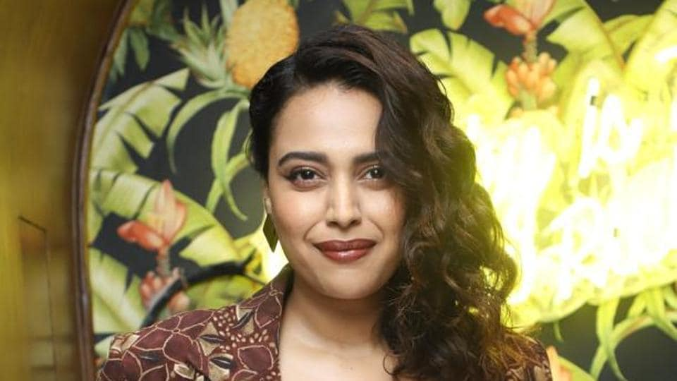 Swara Bhasker: I think there's a power dynamic that operates in movies theatres too