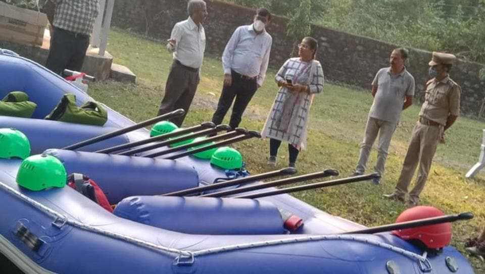 Uttarakhand forest department officials with a newly procured inflatable boat that will be used for  patrolling along Sharda river on Indo-Nepal border in Champawat.