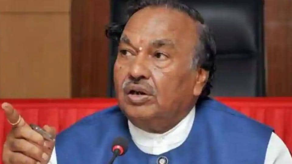 K S Eshwarappa, minister for rural development and panchayati raj who is also a former BJP state unit chief and deputy CM said that Yatnal must be expelled from the party soon.