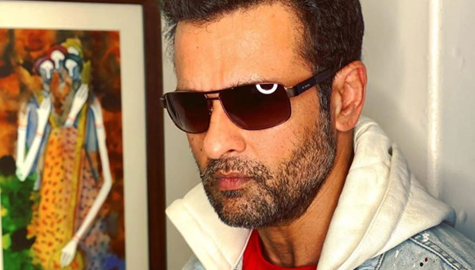 Rohit Roy says he is 'still struggling'.