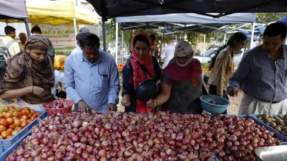 There is a short supply of onions as crops have been damaged due to excessive rains in October in parts of Maharashtra and Madhya Pradesh. (Rahul Raut/HT File Photo)