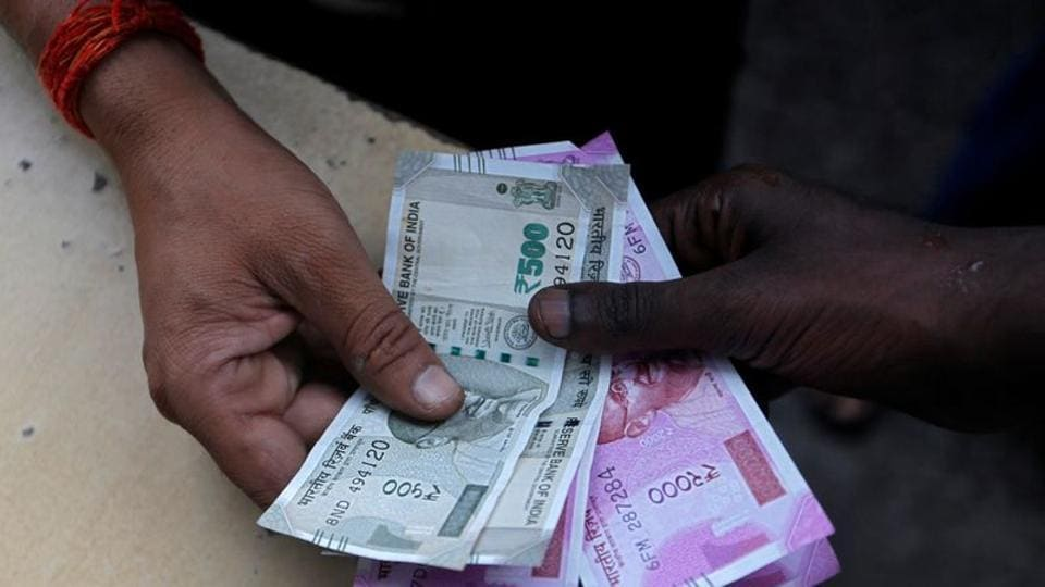 Non-PLB or ad-hoc bonus, which is given to non-gazetted central government employees, will benefit 13.70 lakh staff and will cost Rs 946 crore to exchequer.