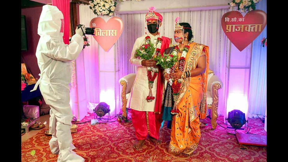 The long queues of well-wishers are gone; instead couples do the rounds and are wished from a distance. Photographs are taken from a distance too. Guests are regularly reminded to stay off the stage, and some planning agencies even offer a service where they appoint monitors to ensure distancing all through the venue. (Photo courtesy Radiance Events, Lucknow)