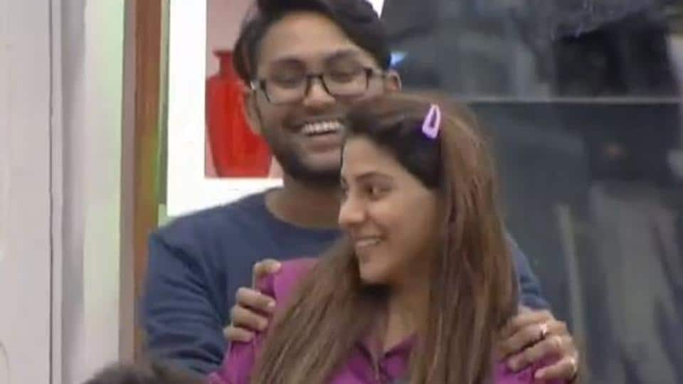 Bigg Boss 14 written update day 20: She blushed when he sang for him and Jaan Kumar Sanu blushed as Nikki Tamboli kissed him on cheeks during a dance performance.