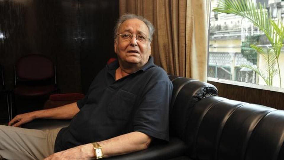 Veteran actor Soumitra Chatterjee before press conference of Bengali film Rupkatha Noy.