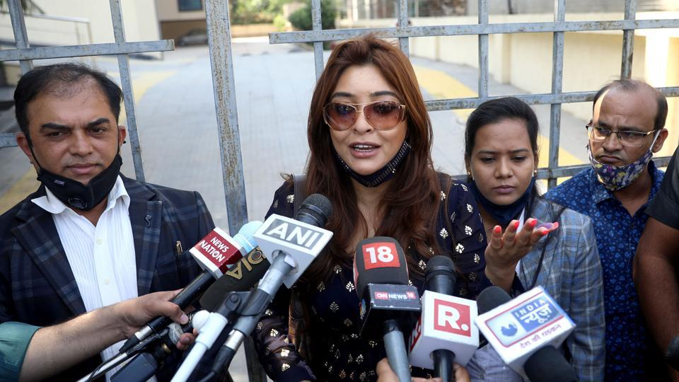 Actor Payal Ghosh joins Ramdas Athawale's RPI; appointed vice president of women wing