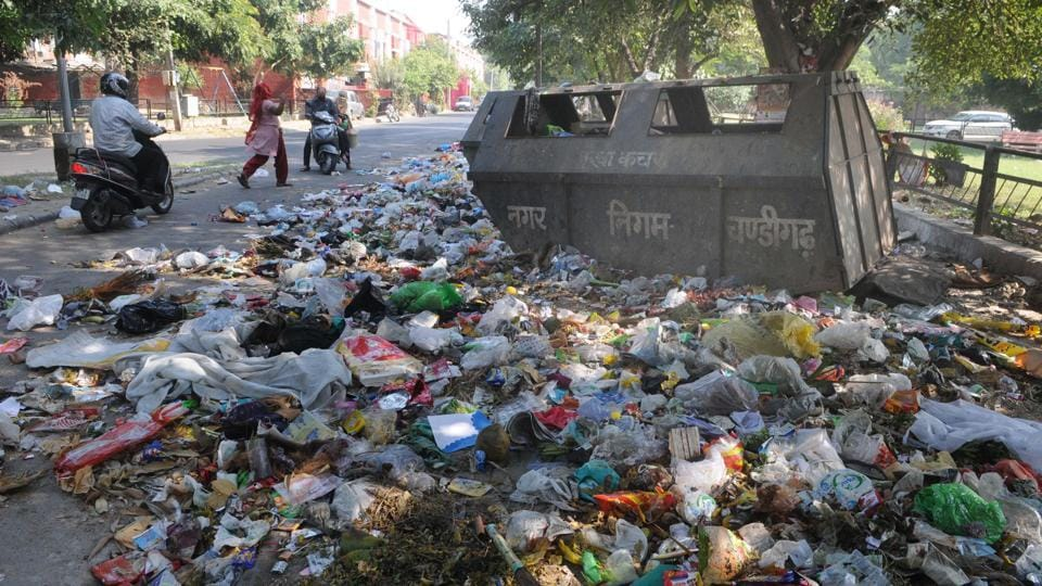 On Saturday, the meeting between MC officials led by municipal commissioner KK Yadav and garbage collectors' unions had ended in a deadlock.