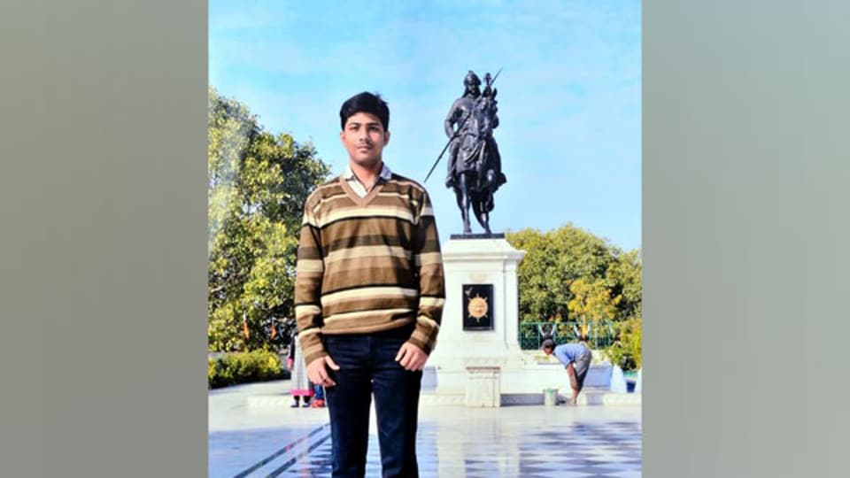 Delhi-based Abhishek Agrahari, an engineering student,received  internship offers from the UK's University of Oxford and the USA's Pennsylvania State University and the University of Illinois, among others.