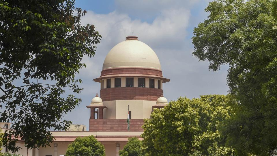 The bench of justices AM Khanwilkar, Dinesh Maheshwari and Sanjeev Khanna agreed that the order must be stayed, but justified the high court's directions in light of the spread of the virus.