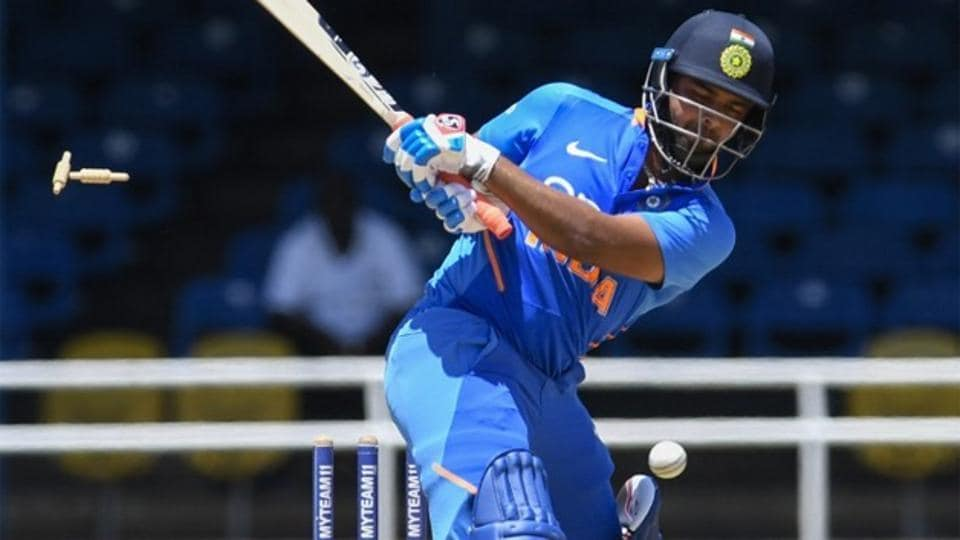 Rishabh Pant is out bowled.